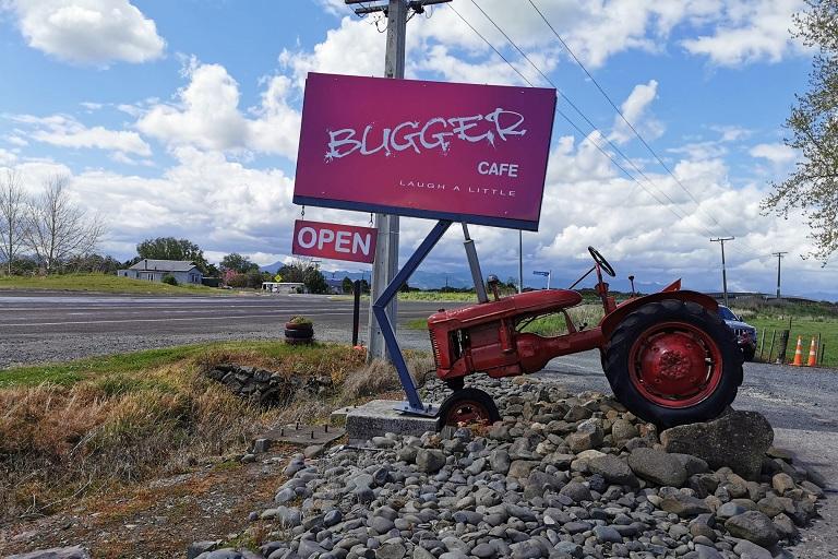Bugger Cafe - Pipiroa
